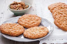 Brown Sugar Cookie Recipe, Brown Sugar Cookies, Hot Chocolate Cookies, Mini Chocolate Chips, Sugar Cookies Recipe, Cookie Recipes, Basil Butter Recipe, Cranberry Scones, Buttery Cookies