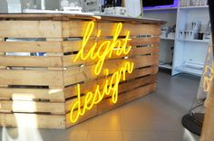 Insegna luminosa realizzata con tubo flessibile Flexneoled #LED #tuboled #sign #lightdesign #interiordesign