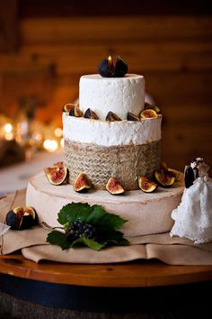 Forget dessert- this cake is made from gourmet cheese wheels! Photography courtesy of David MacVicar. Cakes To Make, How To Make Cake, Wedding Cakes Made Of Cheese, Cheese Tower, Fromage Cheese, Cake Tower, Cheesecake, Gourmet Cheese, Food Stations