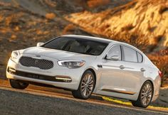 There aren't many choices out there if you are looking for a full sized luxury sedan outside the usual German and few American models. The 2016 Kia K900 comes to the market mostly as a carryover after the launch in 2015th and represents Kia's first sedan which will feature rear wheel drive and a selection of engines that are both powerful and smooth enough for such a car.