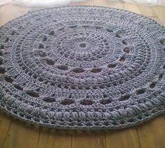 crochet rug by Ondraya