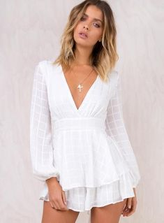 Casual Fall Outfits That Will Make You Look Cool – Fashion, Home decorating White Playsuit, Playsuit Romper, Casual Fall Outfits, Trendy Outfits, Girl Outfits, Cute Outfits, Confirmation Dresses, Dresses Online Australia, Grad Dresses