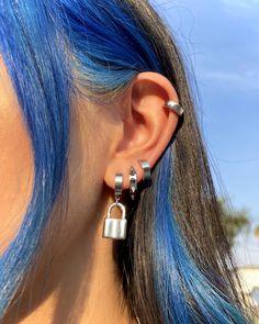 Hair Color Streaks, Hair Dye Colors, Hair Color Blue, Hair Inspo, Hair Inspiration, Hair Color Underneath, Cool Ear Piercings, Dye My Hair, Dyed Hair