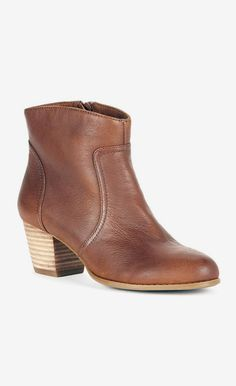 Cognac leather ankle bootie with a Western-inspired design and comfortable stacked heel ♡