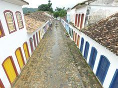 Ruas do Centro Histórico de Paraty são todas de pedra (Foto: Rafael Marcatto)