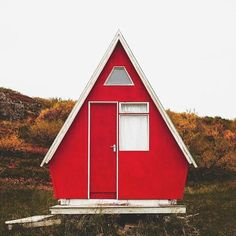 We've rounded up 23 gorgeous photos of A-frames, from lakeside stunners to snowbound charmers. Shed To Tiny House, Micro House, A Frame Cabin, A Frame House, A Frame Floor Plans, Triangle House, Building A Cabin, Cabin Homes, Tiny Homes