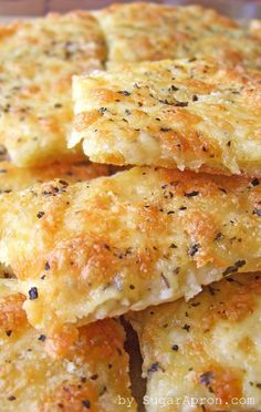 Ingredients  1 (10 ounce) can prepared pizza crust 1 tablespoon butter, melted 1 cloves garlic,...
