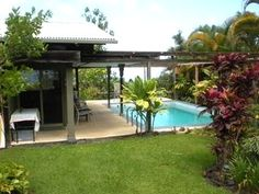 The solar heated pool is right by your front door. - Kona Coffee Farm Cottage - Holualoa - rentals