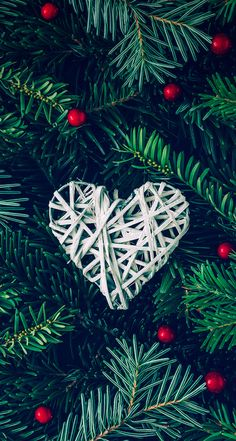 Christmas Wallpapers Tumblr, Merry Christmas Wallpaper, Xmas Wallpaper, Winter Wallpaper, Wallpaper Backgrounds, Heart Wallpaper, Iphone Backgrounds, Iphone Wallpapers, Christmas Mood