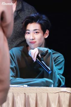 justice for my man bambam cuz hes getting a lot of shit rn :-( just need an apology and everything will be fine :/