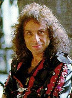 "Képtalálat a következőre: ""ronnie james dio"" Portsmouth, Dio Band, Chiefs Wallpaper, Holy Diver, James Dio, Black Sabbath, Music Icon, Erotic Art, Rock Music"