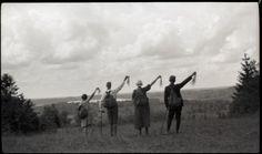 All sizes | Matkajad lehvitamas / Hikers waving | Flickr - Photo Sharing!