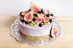 raw vegan fig blueberry cheesecake
