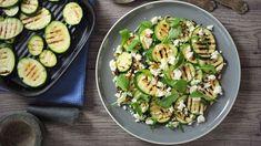 Šalát z grilovanej cukety   Recepty.sk Quinoa, Sprouts, Feta, Zucchini, Meals, Vegetables, Meal, Vegetable Recipes, Yemek