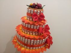 Торт из конфет киндер - YouTube