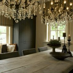pair of chandeliers over dining table - 'sober' colour scheme Charleston Homes, Rustic Industrial Decor, Dining Room, Dining Table, Interior Decorating, Interior Design, Cottage, Modern Country, Beautiful Interiors