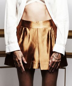 the end skirt >> Who doesn't need a gold skirt in their wardrobe?!