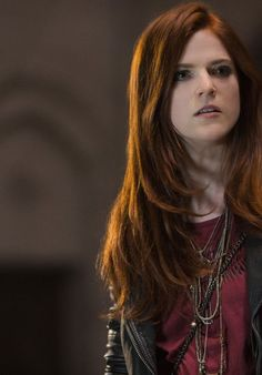 rose-leslie-the-last-witch-hunter-posters-promos-photos-1_thumbnail.jpg (558×800)