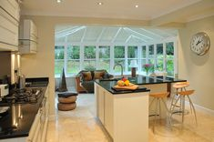 35 Fabulous Conservatory Kitchen Design Ideas That You Definitely Like - It is astonishing how much the design of kitchens has changed in recent years. Traditionally kitchens were one of the largest rooms in the house. Kitchen Family Rooms, Kitchen Living, New Kitchen, Kitchen Ideas, Kitchen Diner Extension, Open Plan Kitchen, Orangery Extension Kitchen, Moveable Kitchen Island, Conservatory Extension