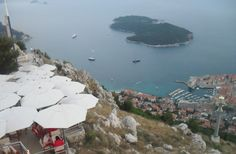 An informal and informative guide on things to do on Lokrum Island. One of Croatia's little jewels in the Adriatic.