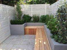Contemporary bench and planting small urban garden London - Modern Small Space Gardening, Garden Spaces, Small Gardens, Outdoor Gardens, Backyard Garden Design, Small Garden Design, Terrace Garden, Roof Garden Plants, Garden Club