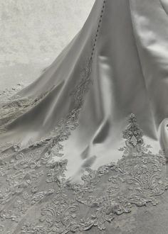 Bridesfamily Charming Tulle & Satin V-neck Neckline Mermaid Wedding Dresses With Beaded Lace Appliques Perfect Wedding Dress, Dream Wedding Dresses, Bridal Dresses, Wedding Dressses, Prom Dresses, Sottero And Midgley Wedding Dresses, Sottero Midgley, Designer Wedding Gowns, Vintage Glamour
