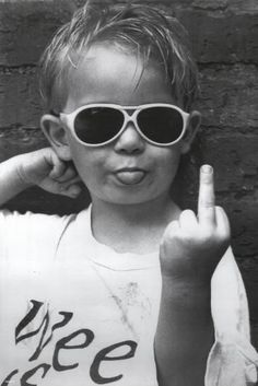 Middle Finger Images, Middle Finger Picture, Aesthetic Iphone Wallpaper, Aesthetic Wallpapers, Middle Finger Wallpaper, Black And White Photo Wall, Shotting Photo, Grunge Photography, Urban Photography