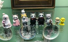 Japanese Artwork, Cat Lady, Snow Globes, My Arts, Decoration, Cats, Animals, Instagram, Products