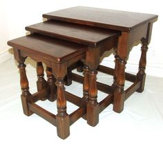 Superb Quality SOLID OAK Nest of 3 Occasional / Coffee Tables / Lamp Stands (39)