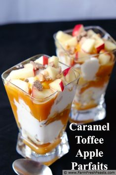 Caramel Toffee Apple Parfaits With Cream Cheese Ice Cream ( Mini Desserts, Pudding Desserts, Dessert Recipes, Ice Cream Pies, Ice Cream Toppings, Easy Ice Cream Recipe, Ice Cream Recipes, Toffee, Parfait Recipes