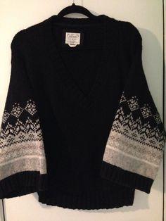 Ladies Med OLD NAVY Black & Gray Cotton/Lambs Wool V-Neck Sweater #OldNavy #VNeck $5 @Ebay