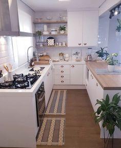 French Home Interior Kitchen Room Design, Home Room Design, Modern Kitchen Design, Home Decor Kitchen, Interior Design Kitchen, New Kitchen, Home Kitchens, Green Kitchen, Cuisines Design