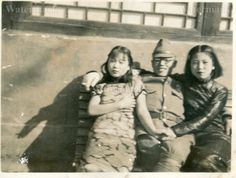 Japanese soldier with Chinese comfort women