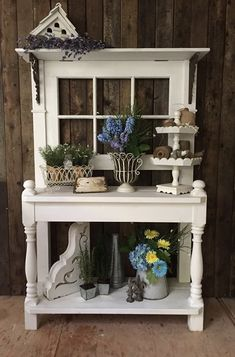 Potting bench add potting bench entire comfortable and functional garden bench ideas Outdoor Potting Bench, Potting Tables, Rustic Potting Benches, Potting Station, Greenhouse Shed, Garden Storage Shed, Garden Projects, Garden Furniture, Farmhouse Decor