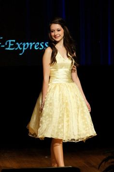 Perfect Download Image 2013 Distinguished Young Women PC Android IPhone And