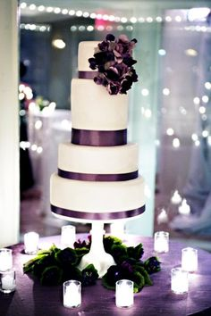 gorgeous cake table!  Love the sophisticated look of this cake!