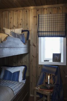 Cabin Chic, Chalet Chic, Winter Bedroom, Building A Cabin, Cabin Interiors, House Beds, Interior Design Living Room, Bedroom Decor, Bunk Rooms