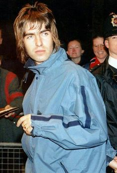Liam Gallagher Liam Gallagher Oasis, Noel Gallagher, Oasis Brothers, Liam Oasis, A Saucerful Of Secrets, Liam And Noel, 90s Hairstyles, Britpop, Indie Music