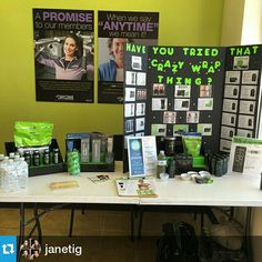 It Works Consultant using Stack Displays on their vendor table! What a great way to display your It Works products! Order yours at www.StackDisplays.com! #stackdisplays #itworks
