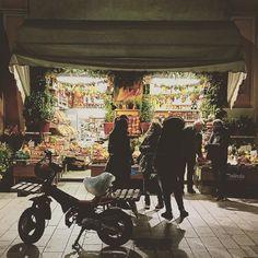 "Scorci di ""milanesità"" inaspettata - Unexpected views of ""milanesità"" (milanese habits) #fruttivendolo #milano #milan #iphone #iphonesia #iphone6 #iphoneonly #igers #igersitalia #igersmilano #igerslombardia #corsogaribaldi #greengrocer #grocery #myhometown #citycenter #vintage #vintagestyle #beautifulmilan #mailand #frutta #fruits #verdura #beautifulitaly #italy #milanesità #welovemilan #milanodavedere #city #ig_milan by iaia829"