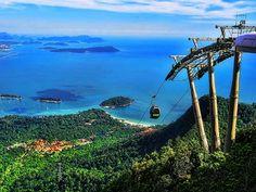 Langkawi Island, Kedah, the cable car up to Sky Bridge, 2000m above sea level.