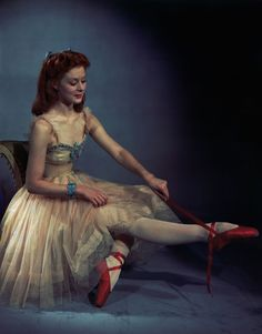 the red shoes vintage ballet old Hollywood 1948 moira shearer Vintage Ballet, 50s Vintage, Ballerine Vintage, Katharina Witt, Louise Ebel, Ballet Russe, Outfits Damen, Ballet Beautiful, Beautiful Film