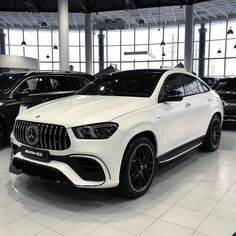 Carros Bmw, Benz Amg, New Ferrari, Car Goals, Mercedes Benz Cars, Luxury Suv, Bmw Cars, Future Car, Performance Parts
