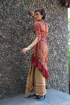 2011-Kebaya-Dress-Style-Fashion.jpg (685×1024)