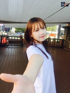 Kpop Girl Groups, Korean Girl Groups, Kpop Girls, Gfriend Yuju, G Friend, Nice To Meet, K Idols, Korean Actors, South Korean Girls
