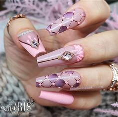Pretty Wedding Nails Ideas For Brides In Winter Bling Acrylic Nails, Summer Acrylic Nails, Best Acrylic Nails, Acrylic Set, Maroon Nails, Pink Nails, Gel Nails, Toenails, Acrylic Nail Designs Classy