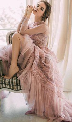 Having bad fashion sense is also bad for self-esteem. Editorial Fashion, Fashion Trends, Fashion Images, Tulle Dress, Pink Dress, High Fashion, Woman Fashion, Fashion Spring, Marie
