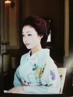 Geisha Maiko de Okiya Mura: Geisha Katsuno / 佳つ乃,