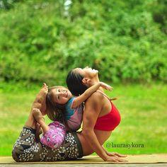 Fofura do Instagram: Mãe e filha fazendo yoga juntas