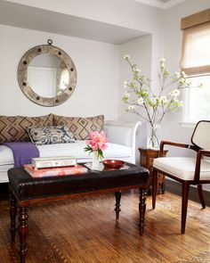 Claudia Benvenuto bungalow guest room, day bed, ottoman, Italian roll up rug, Elle Decor